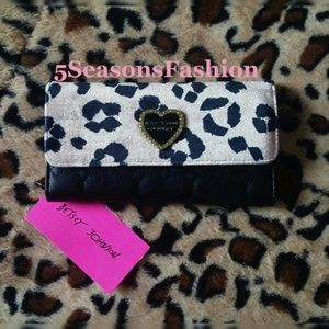 💋 BETSEY JOHNSON  Velvet Cheetah Wallet Hearts
